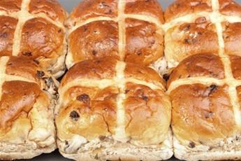 hot cross bun is never the best hot cross bun recipe spiced toasted ...