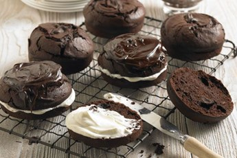 Dark chocolate and parsnip cakes recipe
