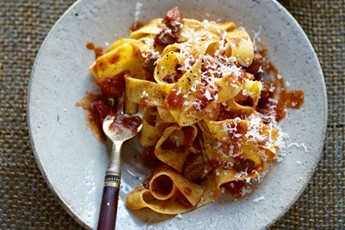 Pasta with rich meat sauce recipe