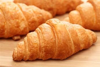 Croissants: Waitrose French butter croissants v Waitrose Love Life ...