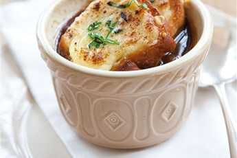 Caramelised onion soup recipe