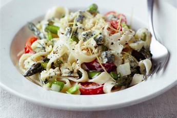 Stilton, asparagus and cherry tomato tagliatelle recipe