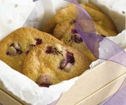 Wheat-free cookies with white chocolate and cranberries recipe